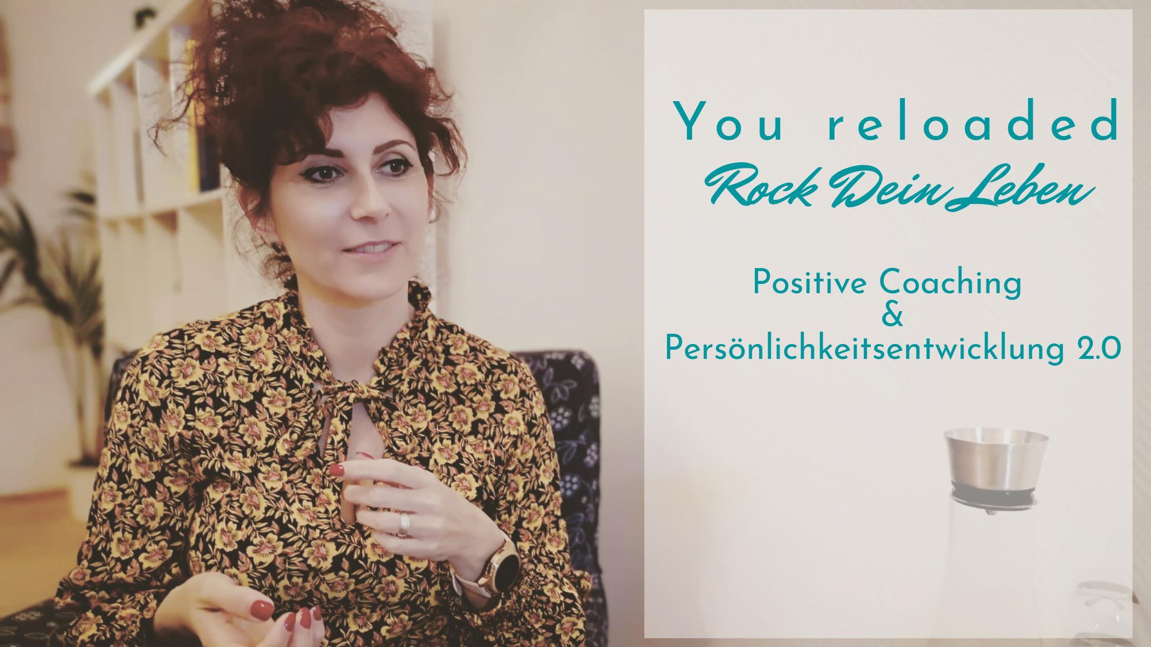 Schriftzug You Reloaded - Rock dein Leben, Positive Coaching & Persönlichkeitsentwicklung 2.0/ Violetta Braimovic während Sitzung mit einem Patienten